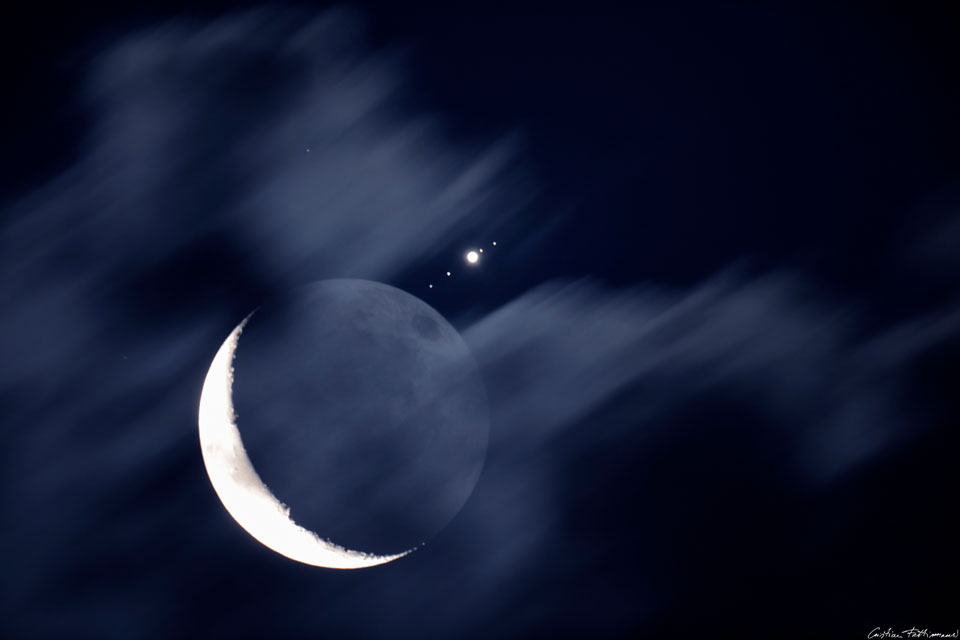 moon_meets_jupiter